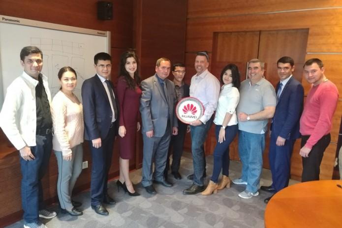 Huawei организовала пресс-тур в Китай для узбекистанских журналистов