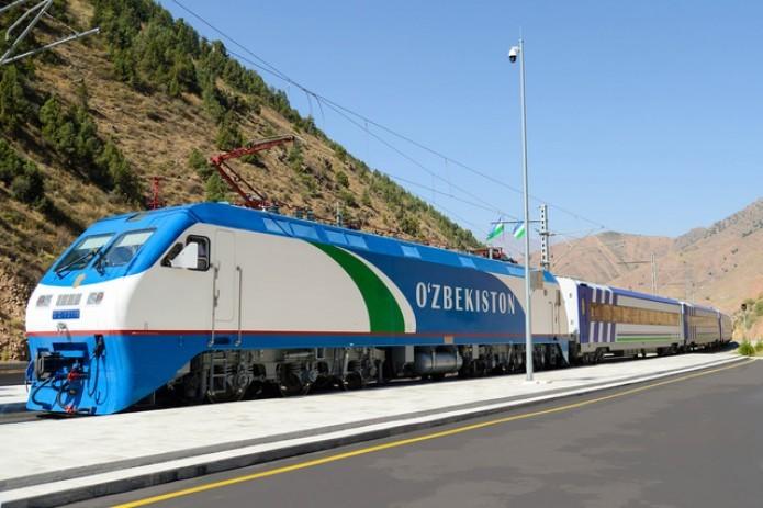 В связи с аномальной жарой снижена скорость пассажирских поездов