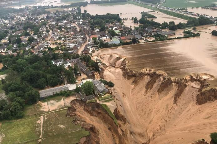 В связи с наводнением в Германии объявлен режим военной катастрофы