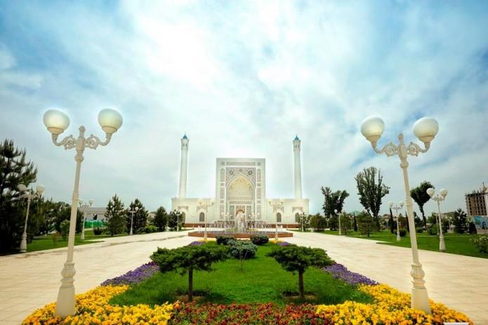 UzReport поздравляет с праздником Курбан хайит