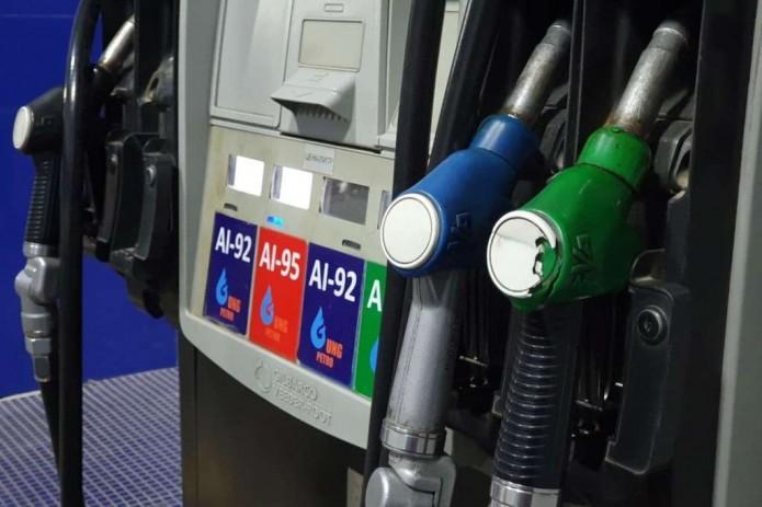 В Узбекистане подорожал бензин и сахар - УзРТСБ