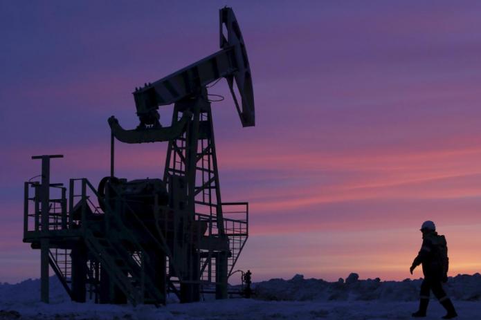 Нефть дешевеет из-за COVID-19 в Европе и укрепления доллара