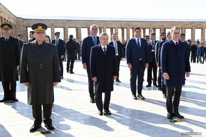 Шавкат Мирзиёев почтил память Мустафы Кемаля Ататюрка
