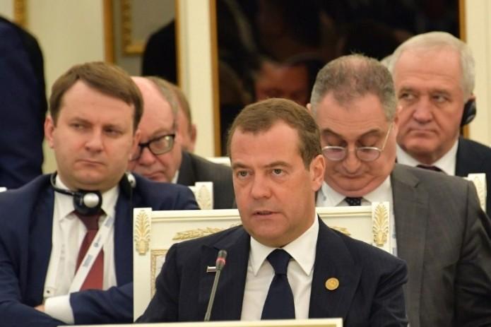 Дмитрий Медведев призвал проработать идею перехода стран ШОС на расчеты в нацвалютах