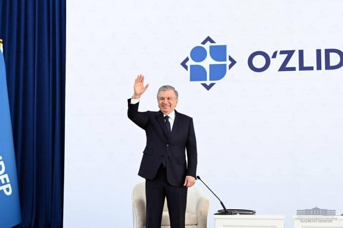 Шавкат Мирзиёев провел встречу с каракалпакстанскими избирателями в Бозатау