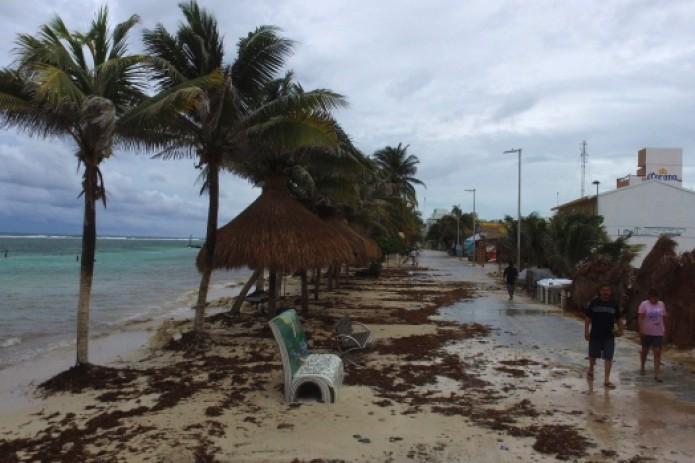 """Ураган """"Франклин"""" обрушился на Мексику"""