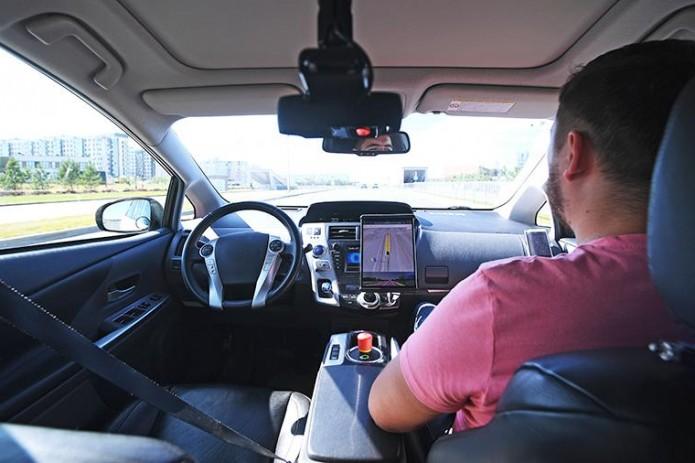 Калифорния разрешила перевозить пассажиров беспилотными автомобилями