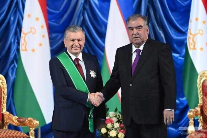 Президент Таджикистана наградил Шавката Мирзиёева орденом «Зарринточ»
