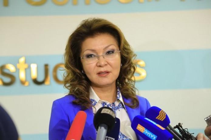 Дочь Назарбаева отказалась баллотироваться на пост президента