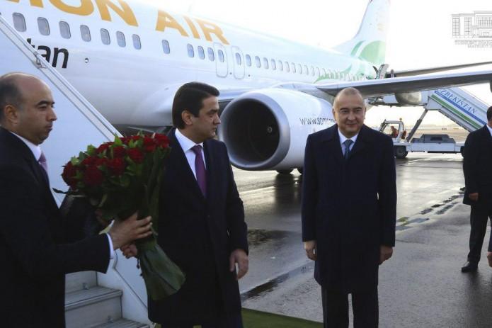 Председатель города Душанбе Рустам Эмомали прибыл в Ташкент