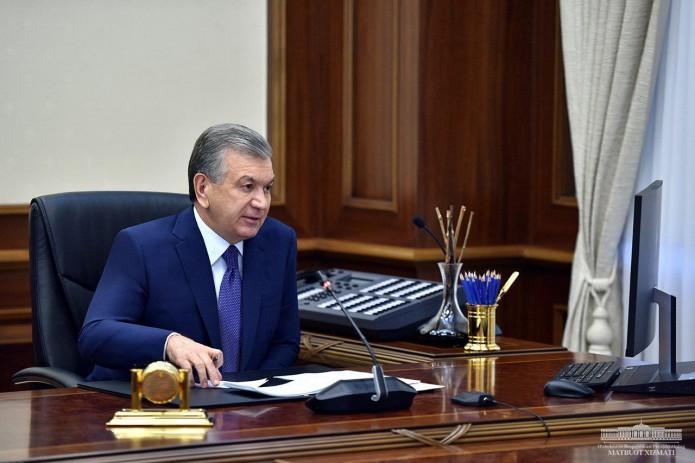 Шавкат Мирзиёев: Для сокращения теневой экономики необходимо помочь людям легально работать