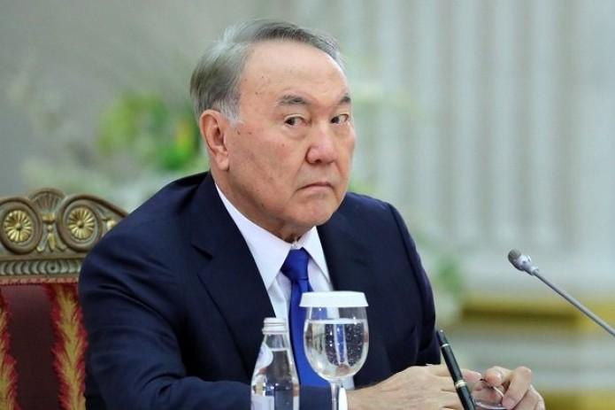 Назарбаев передал свой пожизненный пост Токаеву