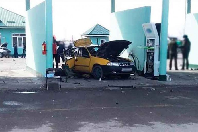 Стала известна причина взрыва автомобиля на заправке в Андижане