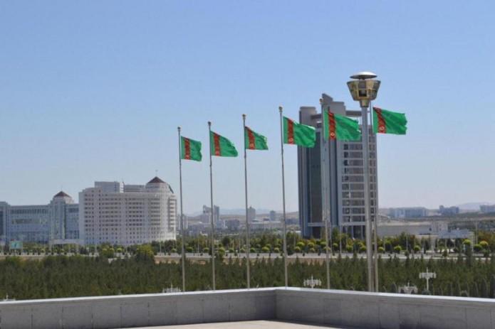 Президент Туркмении перепел «Каракум»