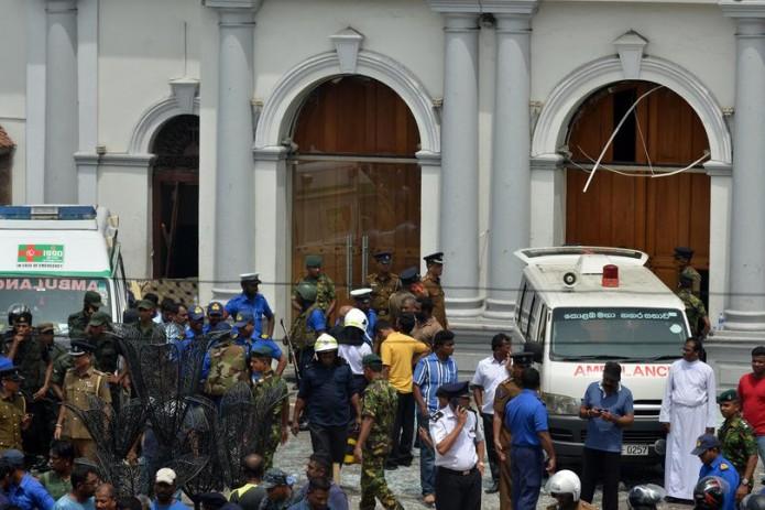Серия взрывов потрясла Шри-Ланку,  185 погибших