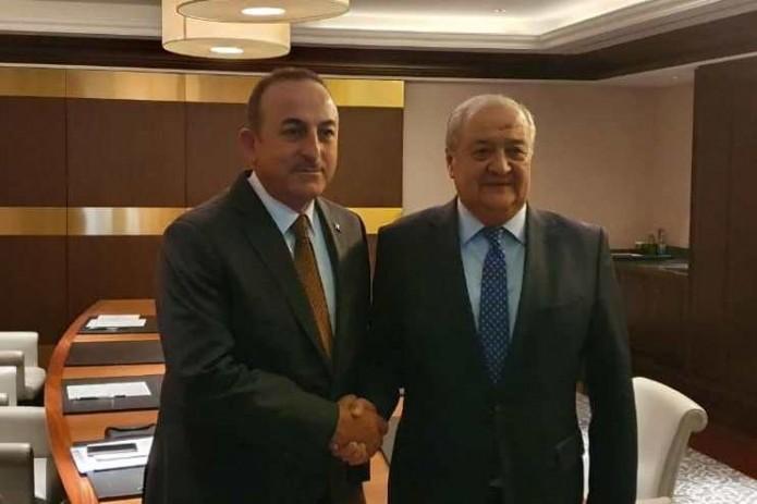 Главы МИД Узбекистана и Турции провели встречу в Баку