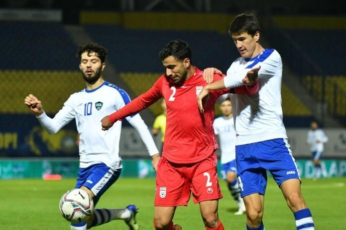 Сборная Узбекистана по футболу уступила Ирану со счетом 2:1