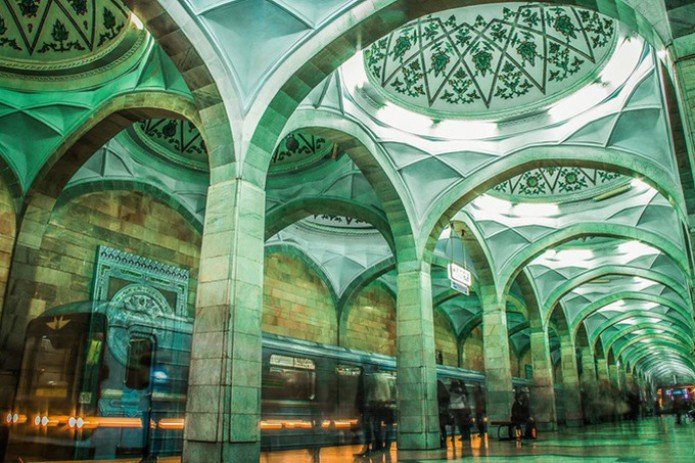 В Ташкенте вагон метро остановился между станциями
