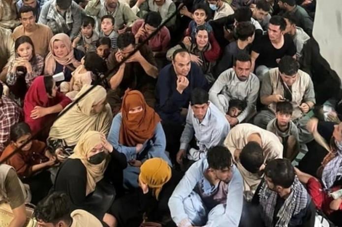 В США выявили среди эвакуированных афганцев 44 потенциально опасных