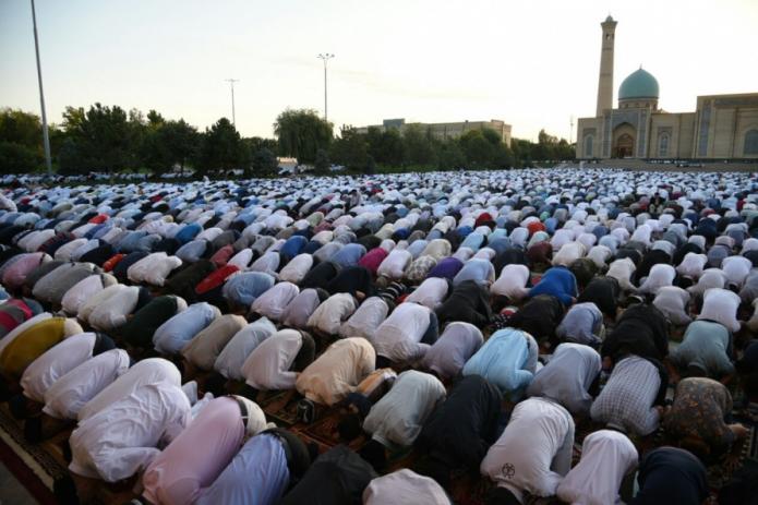 В Узбекистане отменен праздничный намаз к окончанию Рамазана