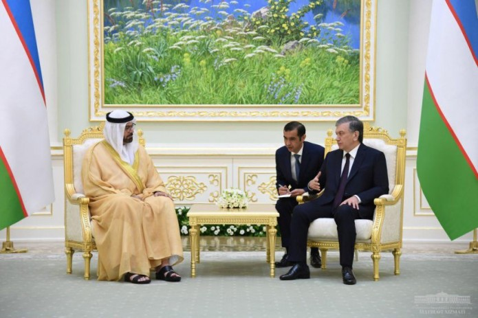 Президент Узбекистана принял делегацию Объединенных Арабских Эмиратов
