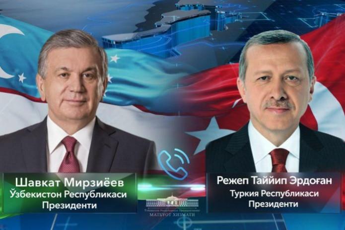 Президенты Узбекистана и Турции провели телефонный разговор