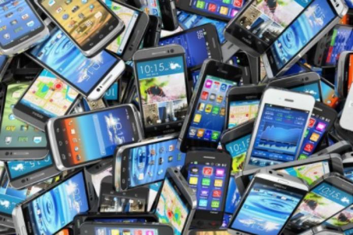 Узбекистан нарастил импорт сотовых телефонов