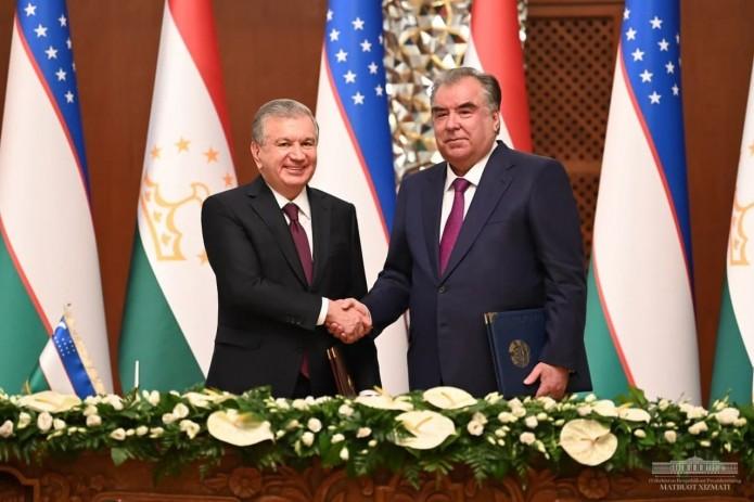 По итогам переговоров Шавката Мирзиёева и Эмомали Рахмона подписано 35 документов