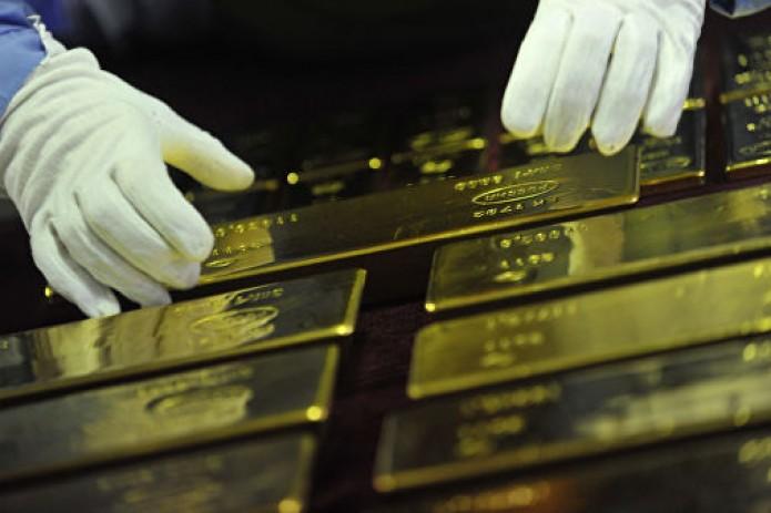 Больше полугода Узбекистан не продает золото