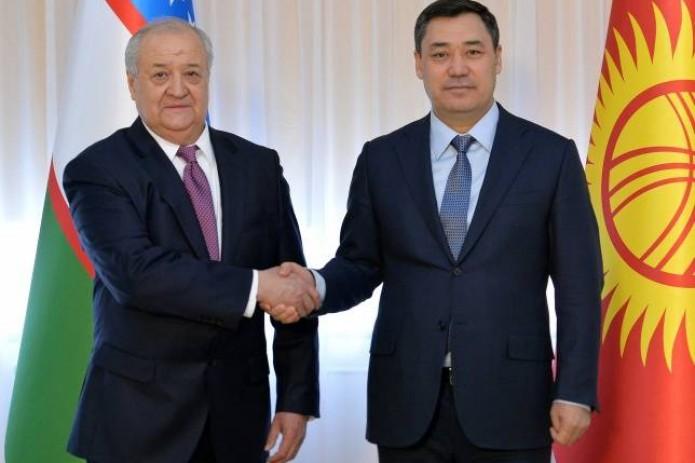 Садыр Жапаров принял министра иностранных дел Узбекистана Абдулазиза Камилова