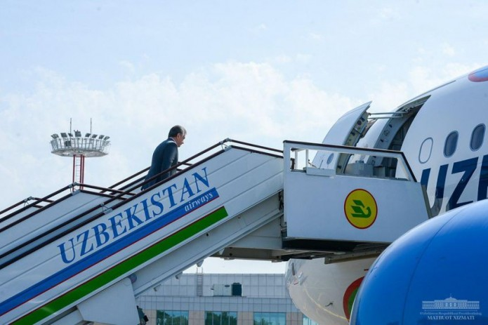 Президент Шавкат Мирзиёев отбыл в Наманганскую область