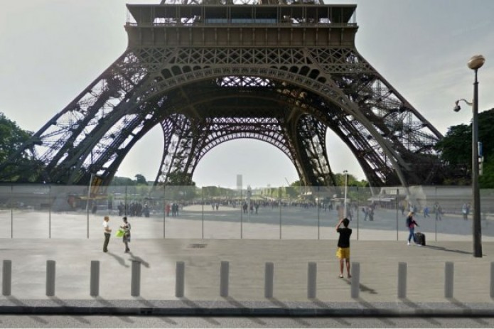 Work starts on 3 metre high bulletproof wall round Eiffel Tower