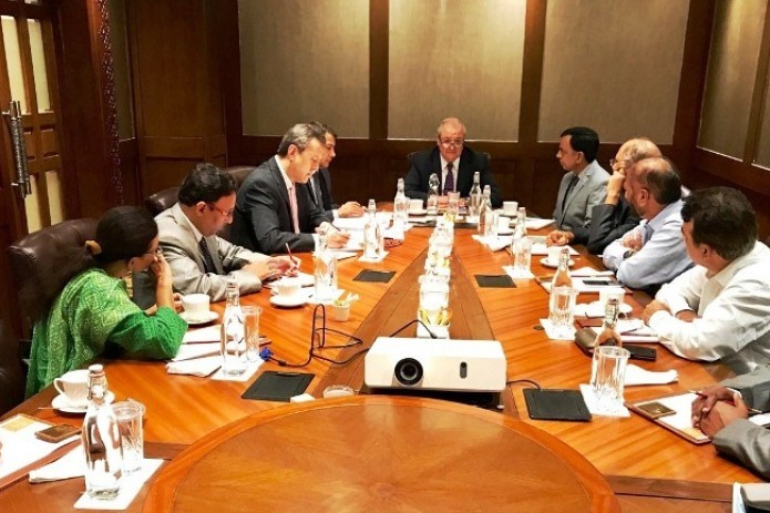 Abdulaziz Kamilov meets with representatives of science and culture of India