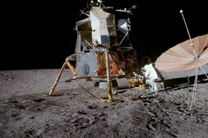 Трамп ищет дополнительные $1,6 млрд на возобновление полетов на Луну к 2024 году