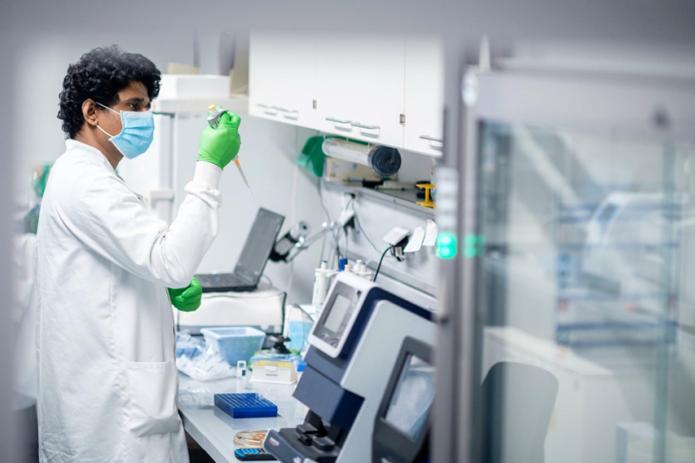 Немецкая компания BioNTech готова изготовить вакцину, действенную от новых штаммов коронавирусной инфекции