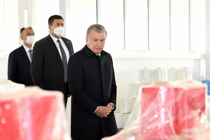 Шавкат Мирзиёев ознакомился с деятельностью СП «Сирдарё мега люкс»