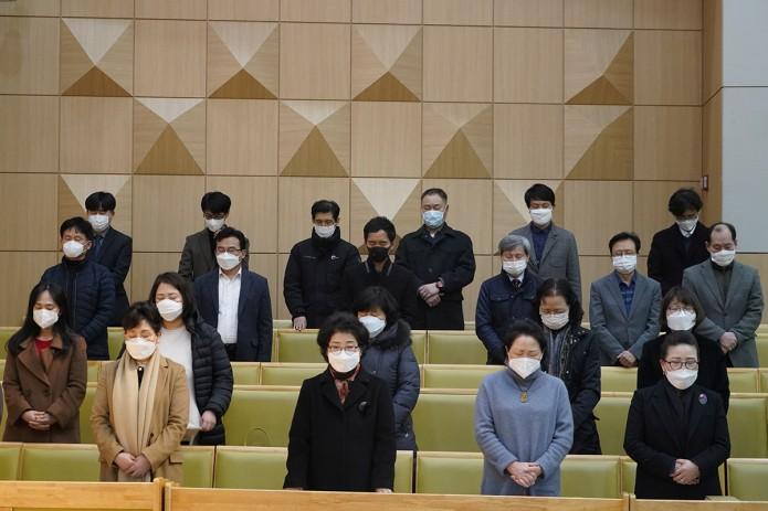Коронавирус: лидеров южнокорейской секты, заразившей тысячи человек, намерены судить за убийство