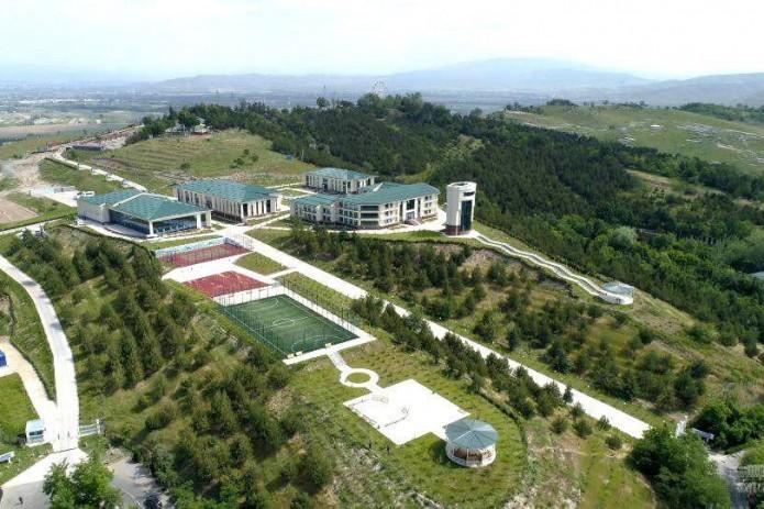 Президент Шавкат Мирзиёев посетил санаторий Ханабада