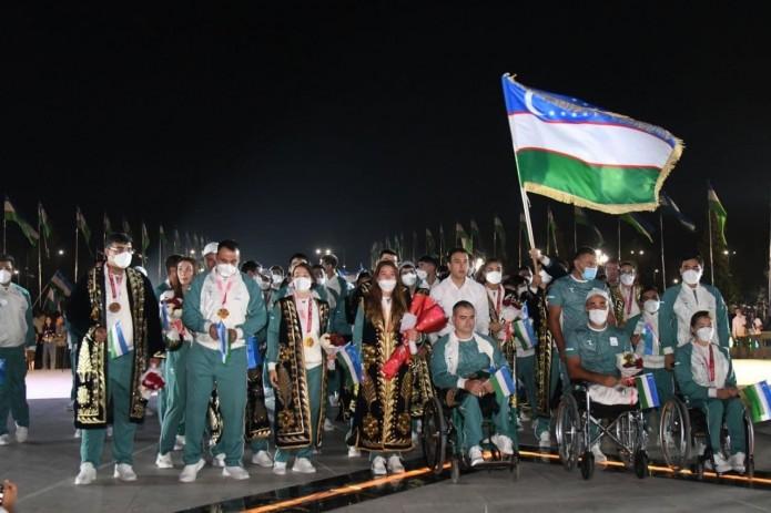 Победителям и призёрам Паралимпийских игр вручили ключи от машины и квартиры, а также денежное вознаграждение