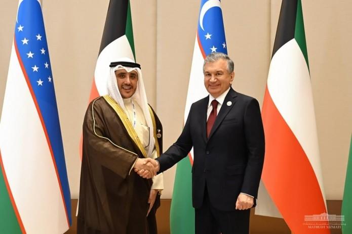Президент Узбекистана принял министра иностранных дел Кувейта