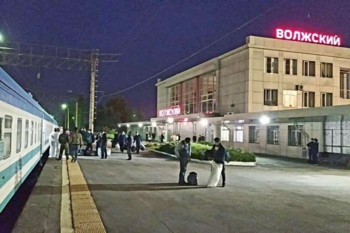Узбекистан отправит в Россию еще 4 поезда для вывоза своих граждан