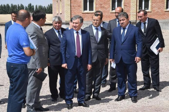Президент ознакомился с возводимыми в Алмалыке жилыми домами