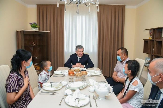 Шавкат Мирзиёев посетил Сергелийский район столицы