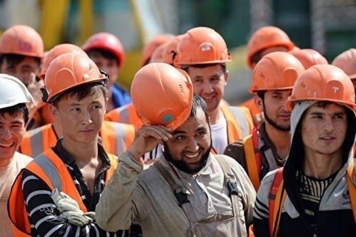 Экзамены для строителей из Узбекистана перед въездом в Россию начнутся в ноябре