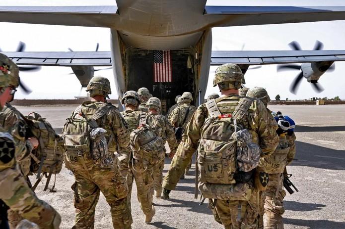 США попросили Узбекистан, Казахстан и Таджикистан временно разместить 9 тыс. афганских помощников