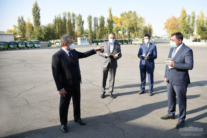 Шавкат Мирзиёев предложил передислоцировать 8-й автобусный парк