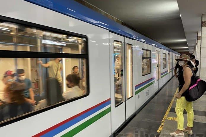Еще 5 новых российских поездов будут ездить в метро Ташкента