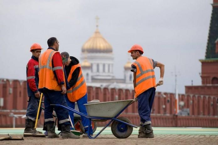 Почти 7 тысяч мигрантов в ближайшее время приедут в Москву. Большинство из них из Узбекистана