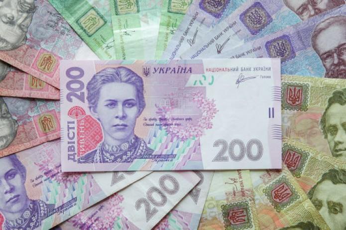 Украинская гривна стоит на первом месте среди валют мира по росту курса относительно доллара
