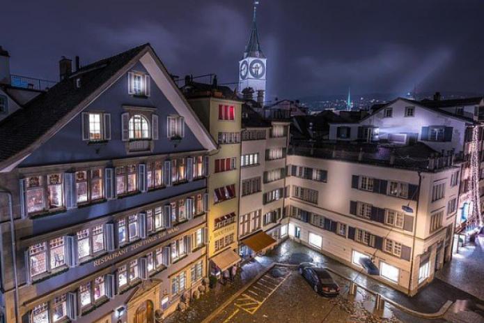 """В Швейцарии сеть отелей класса """"люкс"""" борется за клиентов"""